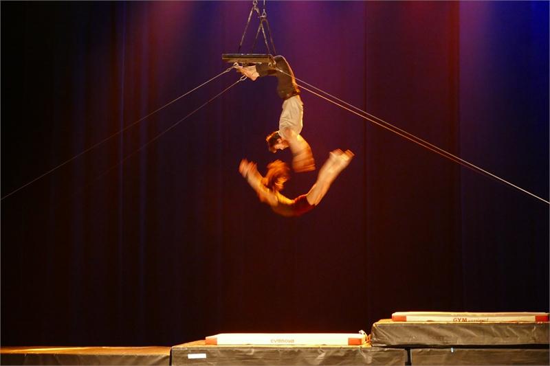 Cirque Composé @ Stadsschouwburg | Leuven | Vlaanderen | België