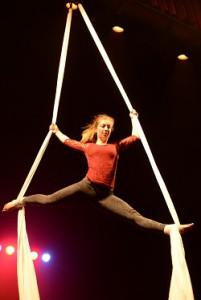 Kerststage: Circus & Luchtacro @ Kapelzaal | Leuven | Vlaanderen | België